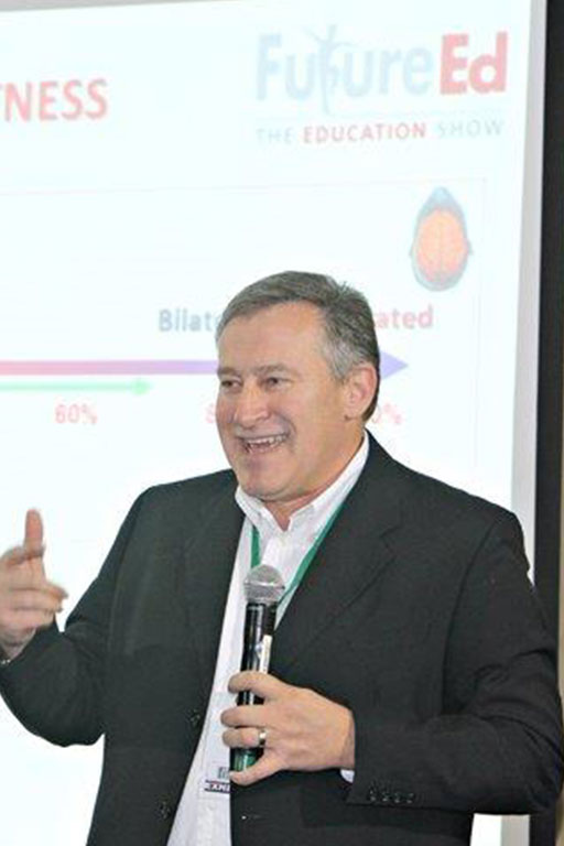 Dr. Andre Vermeulen presenting at the future education show