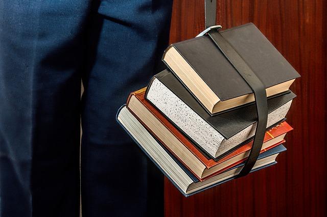 books-e835b00d28_640